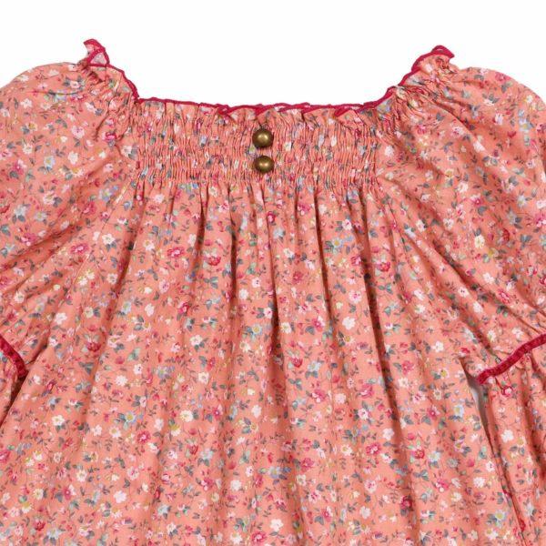 Blouse à col smocks en coton liberty fleuri rose abricot manches bouffantes, col smock de la marque de mode pour enfant LA FAUTE A VOLTAIRE