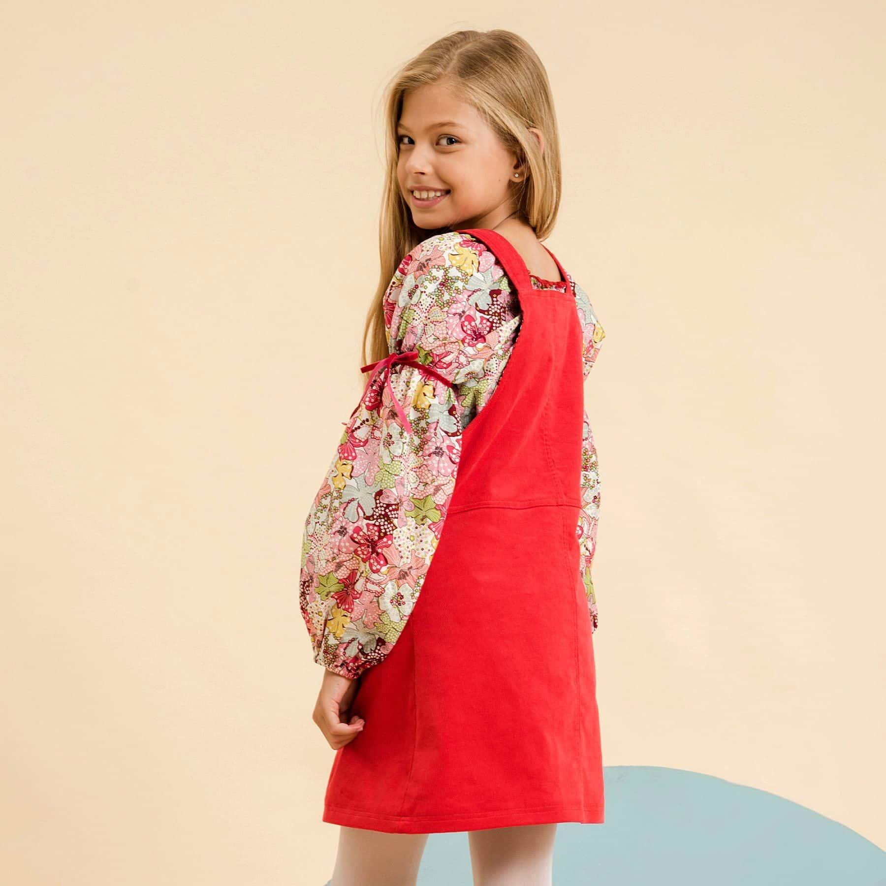 Blouse fille fleurs liberty rouge avec col smocks et manches ballons