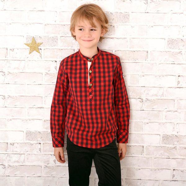 Chemise Col Mao en coton à carreaux vichy rouges et noirs avec boutons pression pour garçons de 2 à 12 ans. La Faute à Voltaire, marque créateur française pour enfants en commerce équitable.