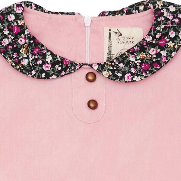 Robe qui tourne sans manches en velours rose pâle et col Claudine fleuri liberty noir et rose de la marque créateur pour enfant LA FAUTE A VOLTAIRE
