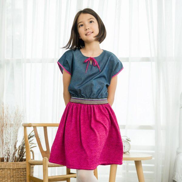 robe intersaison à manches courtes en coton denim bleu ciel et mailles rose fuchsia pour petites filles de 2 à 14 ans