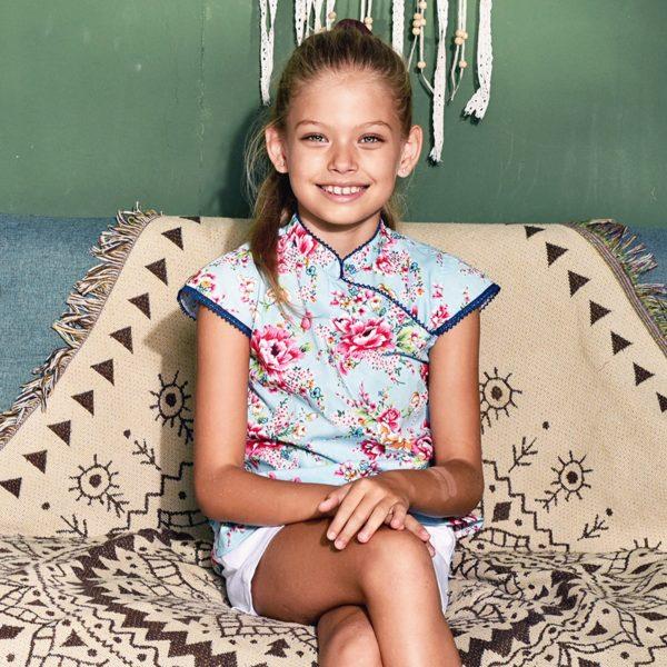 Blouse inspiration asiatique chinoise en coton bleu à motifs fleurs roses et col Mao bordé de dentelle pour filles de 2 à 14 ans