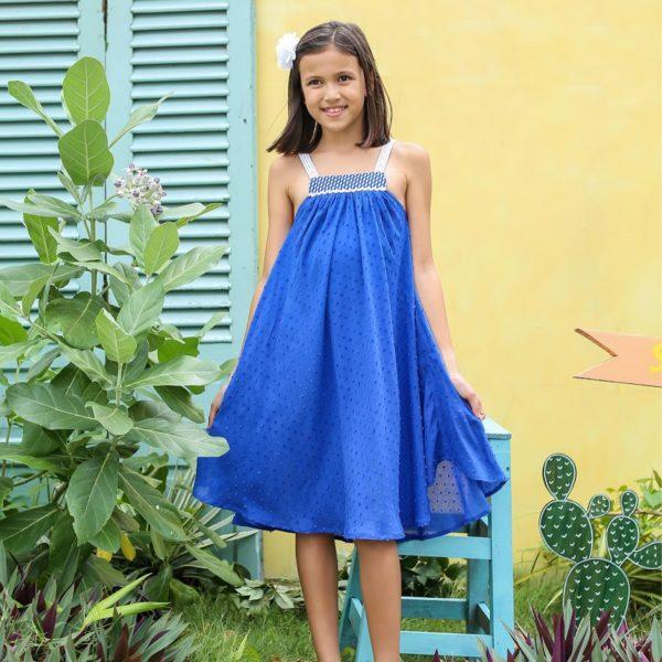 robe ample bleu roi en voile de coton et col liberty fleuri avec bretelles en dentelle blanche. Pour petites filles de 2 à 16 ans