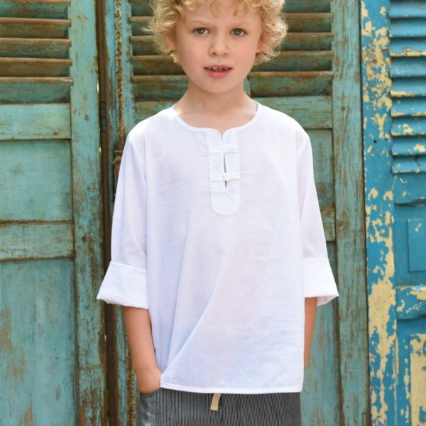 chemise légère blanche à col rond et manches longues en voile de coton blanc pour garçon de 2 à 14 ans de la marque de mode pour enfant LA FAUTE A VOLTAIRE