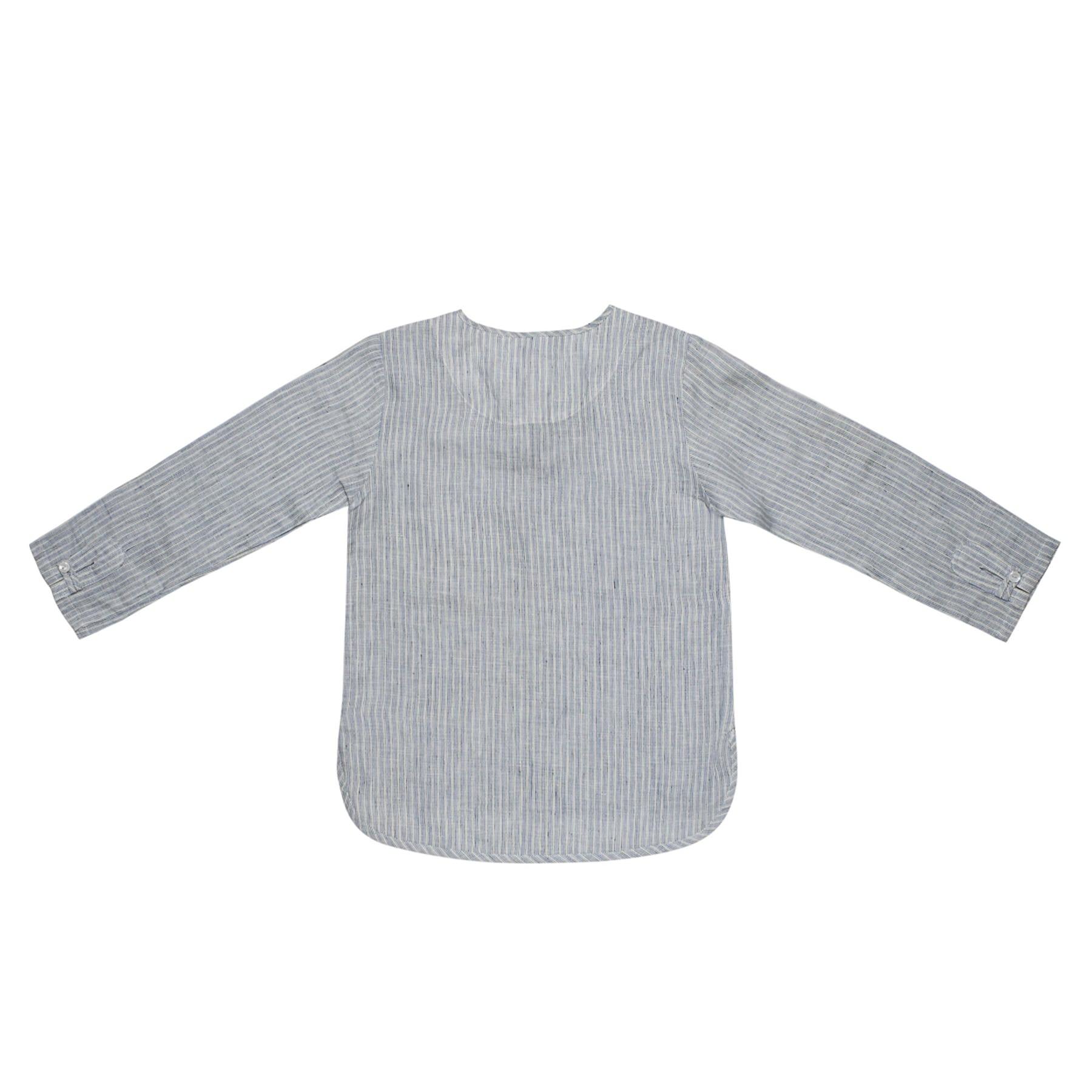 Chemise bohème légère en voile de coton rayé gris et blanc avec col à liens bleu marine pour garçons de 2 à 14 ans