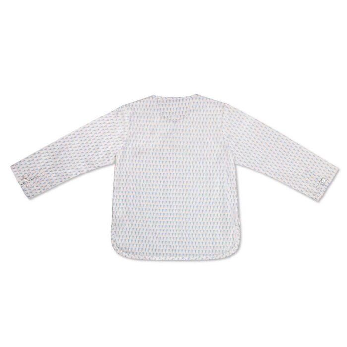 Chemise liquette légère en voile de coton blanc imprimé triangles bleus avec col tunisien boutonné pour garçons de 2 à 14 ans