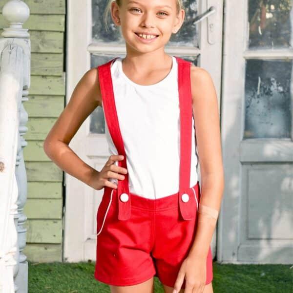 short salopette fille en coton rouge et boutons blanc. Bretelles amovibles. Mode enfant en commerce équitable de la marque française LA FAUTE A VOLTAIRE