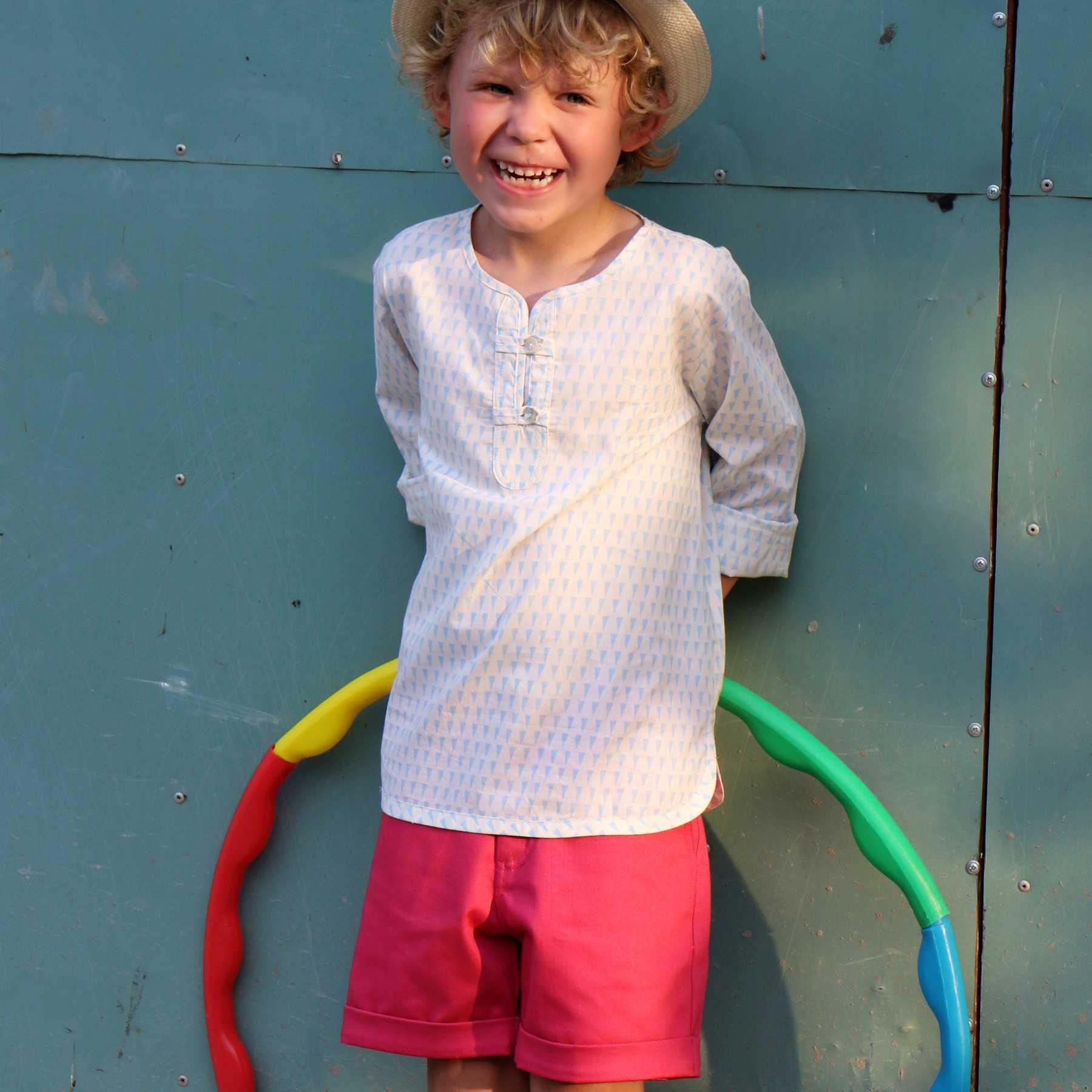chemise été blanche et bleu ciel à manche longue et col rond pour garçons de 2 à 12 ans. Mode Française pour enfant LA FAUTE A VOLTAIRE