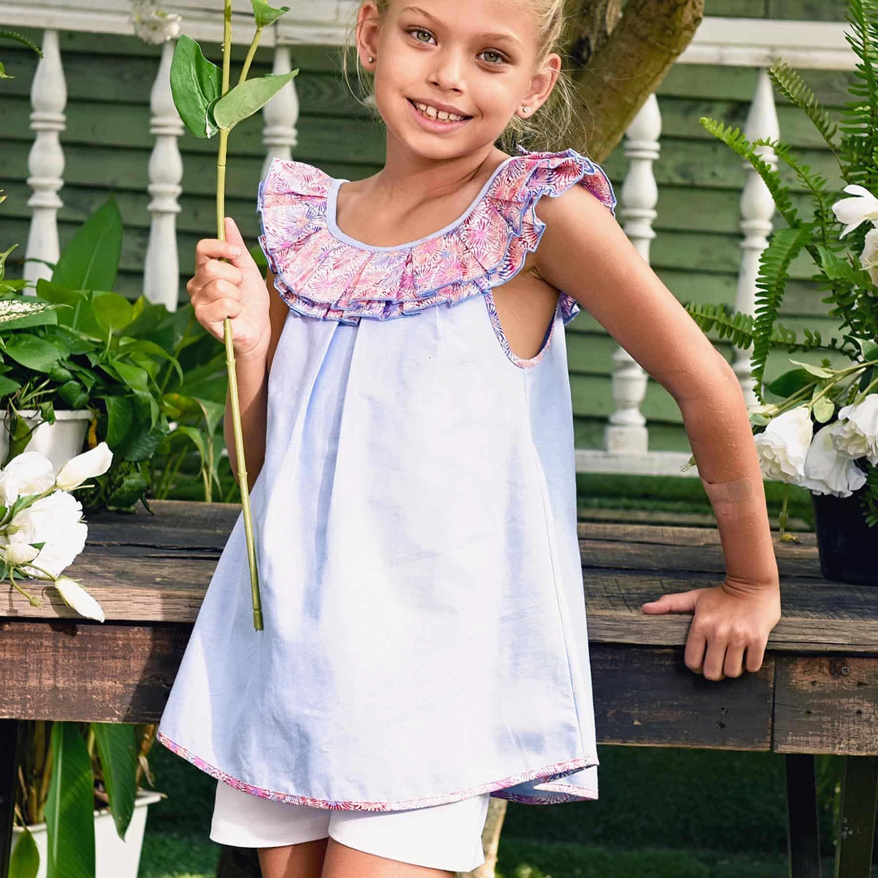 Blouse sans manches en coton bleu pastel avec col bateau à volants liberty rose et bleu pour filles de 2 à 12 ans
