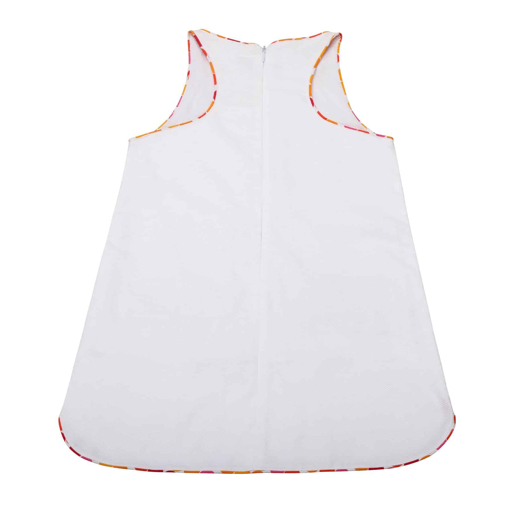Robe trapèze été en coton gaufré blanc avec poches et détails colorés roses et oranges pour filles de 2 à 14 ans