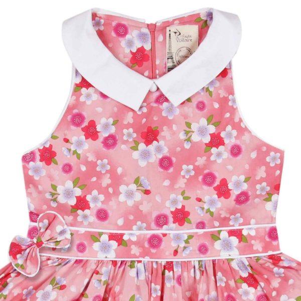 robe qui tourne de cérémonies pour fille fleurie liberty rose avec petit col Claudine pointu en coton satiné blanc de la marque de mode pour enfants en commerce rétro chic et équitable LA FAUTE A VOLTAIRE
