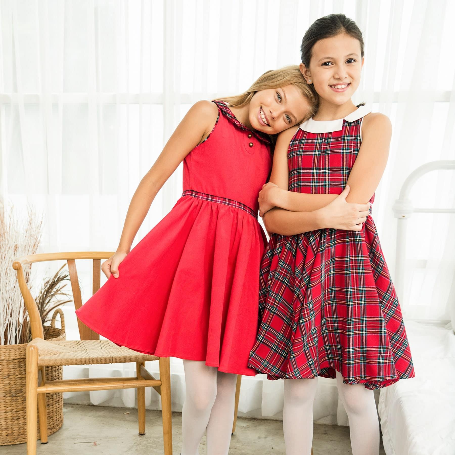 Robe qui tourne de Noël pour fille en velours rouge et tartan rouge, Col Claudine de la marque mode pour enfant LA FAUTE A VOLTAIRE